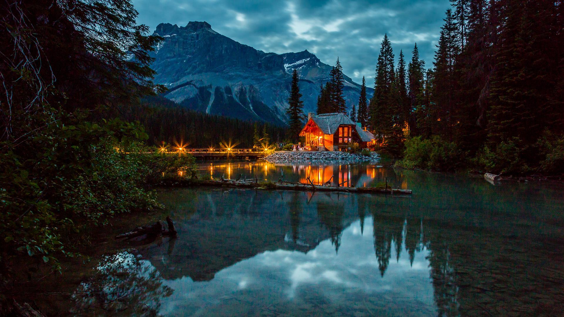 Emerald Lake Lodge Field British Columbia Frontier Canada