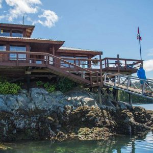 Farewell Harbour Lodge | Grizzly Bears, British Columbia