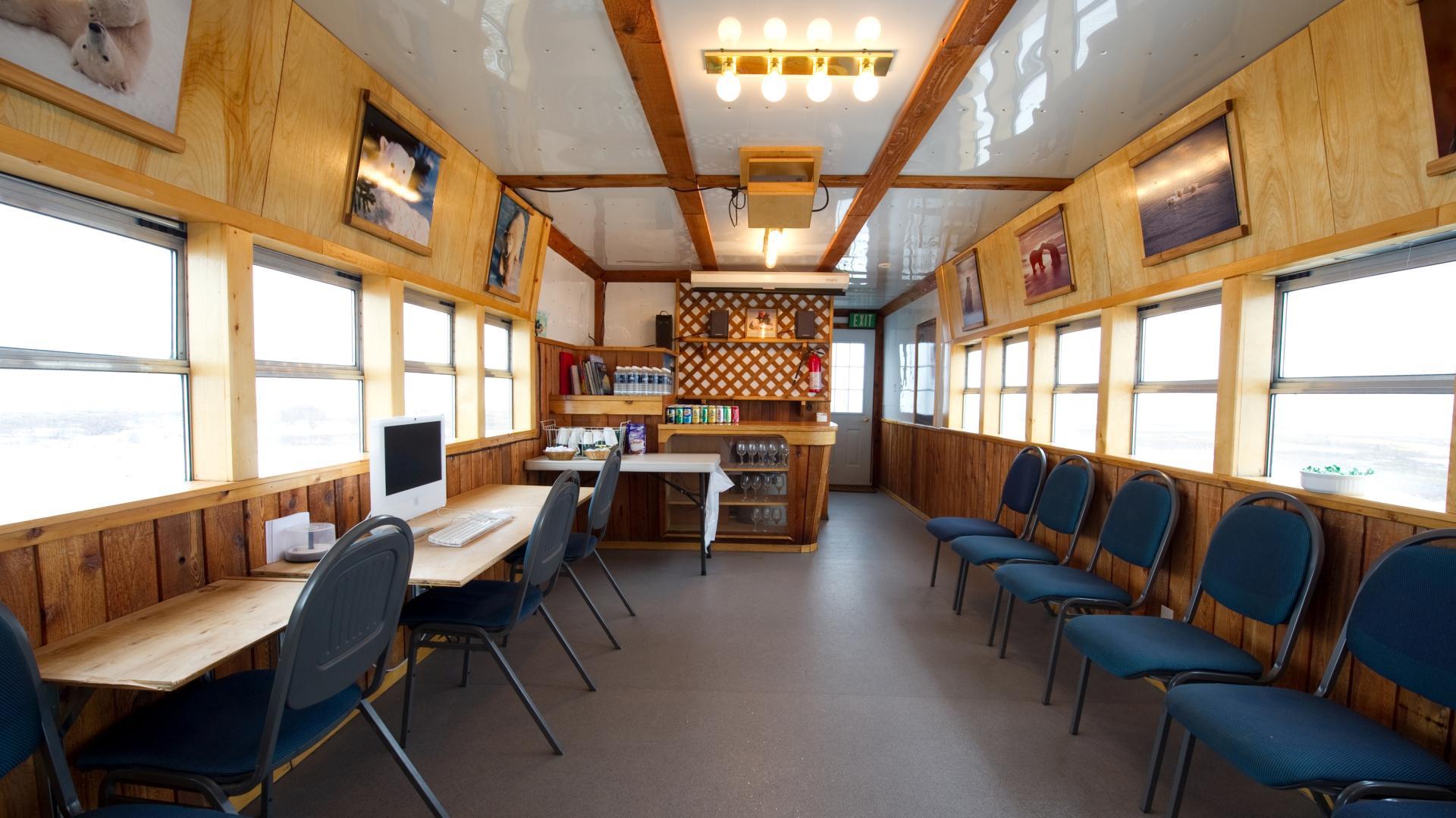 Polar Bears in Churchill | Tundra Buggy Lodge Enthusiast | Frontier