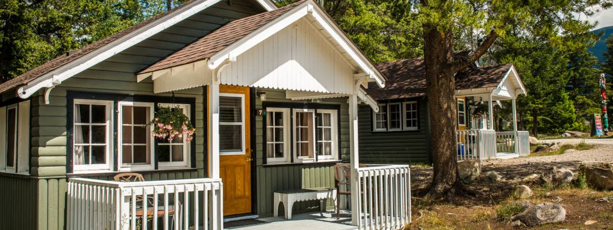 Tekarra Lodge | Jasper, Alberta | Frontier Canada
