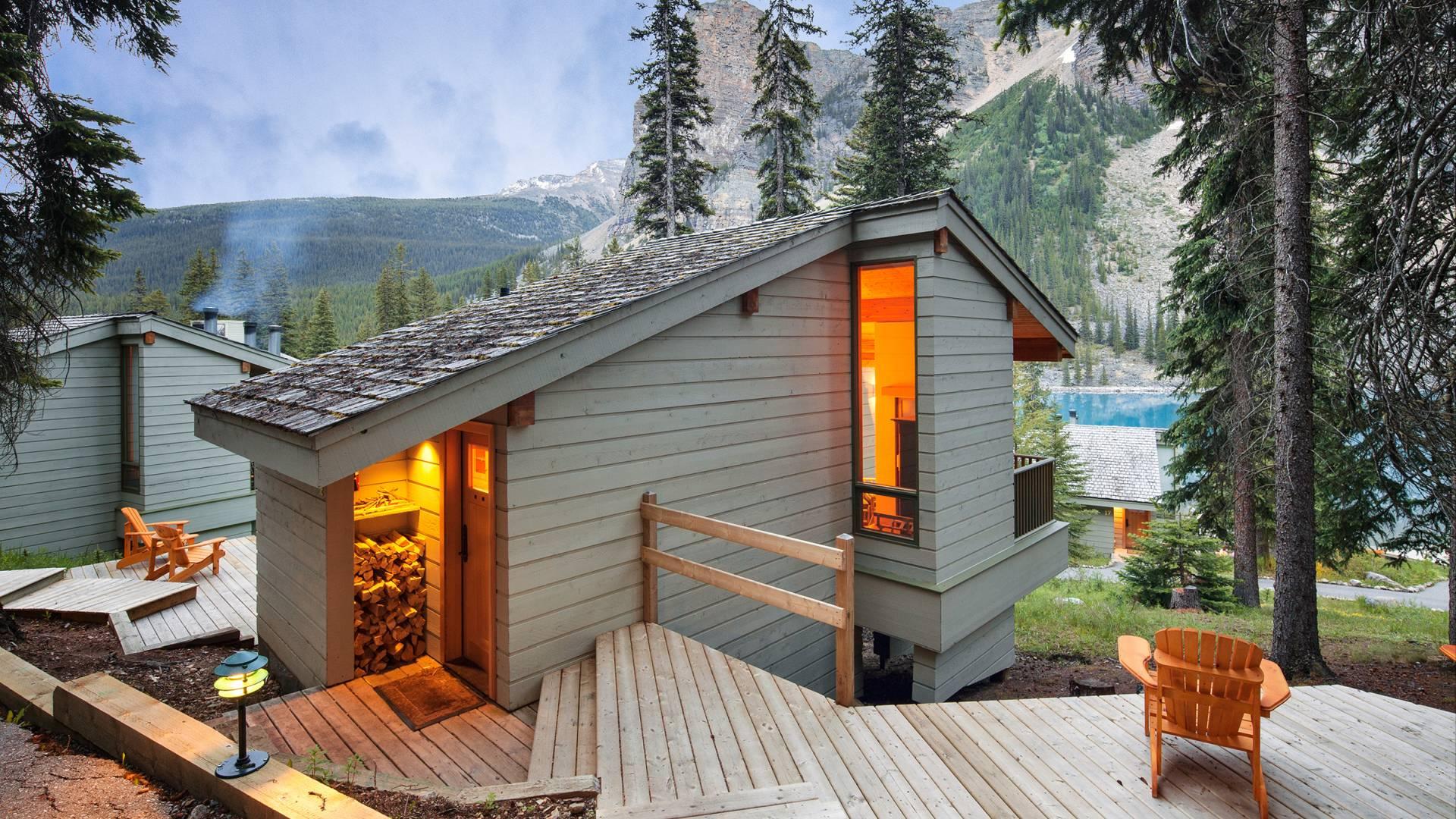 Moraine Lake Lodge Lake Louise Alberta Frontier Canada